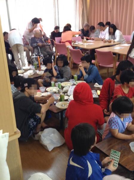 清住自治会主催のふれあい会がぬくもりの園デイサービスフロアにて開催